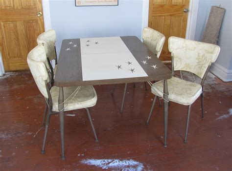 Atomic 1950s Formica Dinette / Kitchen Table By