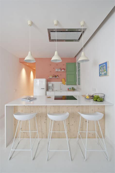 hauteur table de cuisine cuisine avec table hauteur plan de travail