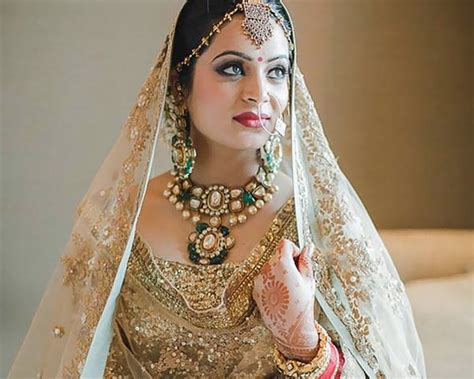 Indian Bridal Dresses Adding Charm To Your Special Day