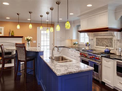 88 white kitchen cabinets blue island traditional