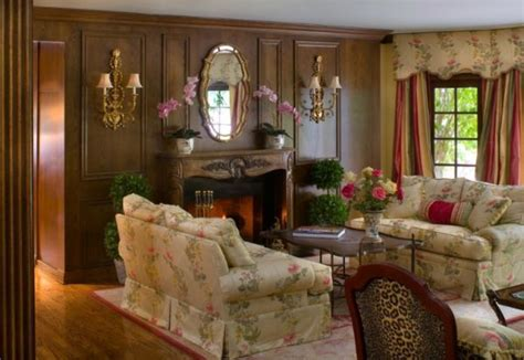 Living Room Category : Appealing Decorating Traditional
