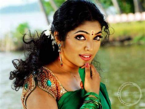 Bollywood Masti Blog Reema Kallingal Sexy Mallu Actress