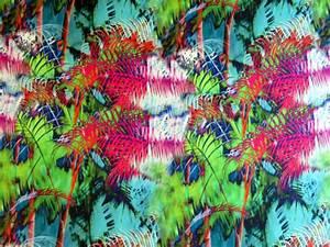 Tissu Imprimé Tropical : tissu satin imprim tropical the sweet mercerie ~ Teatrodelosmanantiales.com Idées de Décoration