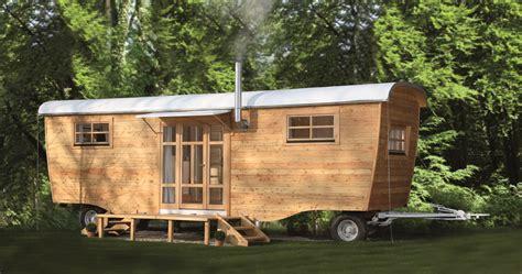 kleine häuser auf rädern wohnen im wohnwagen im bauwagen wohnen wir bauen aus bauwagen wohnwagen wohnwagen neuheiten