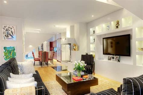 Tastefully Decorated Apartment With Open Floor Plan