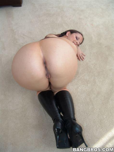 Big Ass Brunette Likes Teasing Photos Caroline Pierce MILF Fox