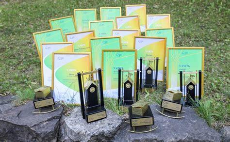 Izdevniecība Žurnāls SANTA iegūst 17 balvas Preses dienā ...