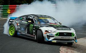 Video: Ford Mustang drifts the entire Nürburgring