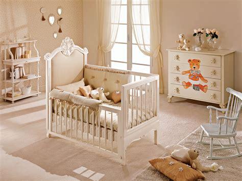 chambre bébé baroque berceau bébé avec garde corps amovible piermaria