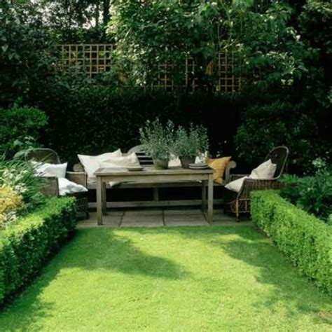images of beautiful small gardens 10 beautiful small garden ideas