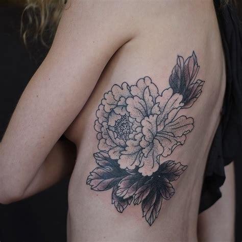 Flower Tattoo In Ribs
