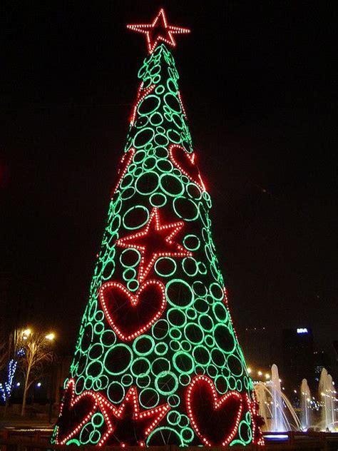 christmas tree madrid spain navidad en el mundo