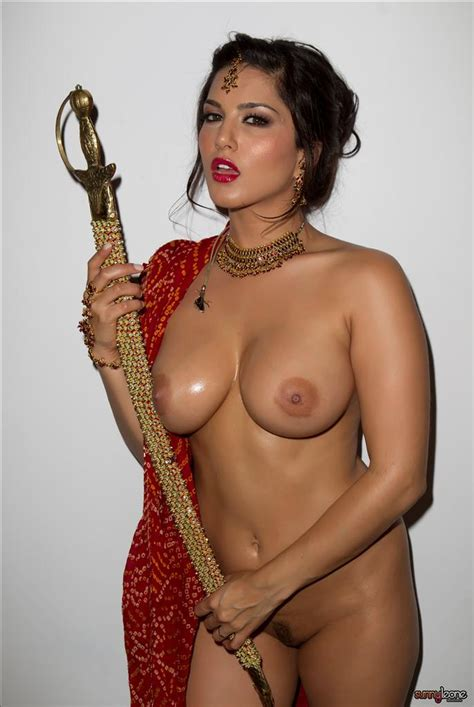 Porn Star Sunny Leone Red Nude Pictures In Indian