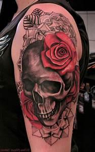 Rosen Tattoo Schulter : totenkopf tattoo ideen und symbolik tattoos zenideen ~ Frokenaadalensverden.com Haus und Dekorationen