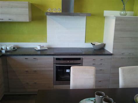 cuisine couleur fin couleur des meubles de cuisine fin des murs reste plus
