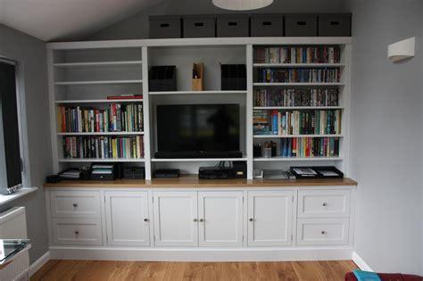 Tv Bookcases by Tv And Family Room