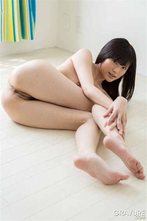 Sara Yurikawa On Her Knees And Bare