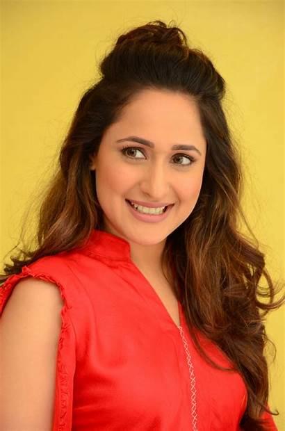 Jaiswal Pragya Actress Latest Telugu Lovely Photoshoot
