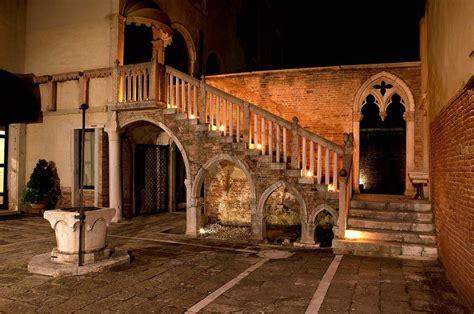 Porta Di Ferro by Condo Hotel Palazo Contarini Porta Venice Including