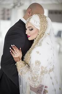 10 Traditional Islamic Hijab Wedding Dresses