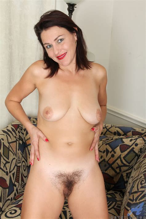 Anilos Betsy Long Amateur Mommy Spreads Her Sweet Hairy Pussy Good Sex Porn