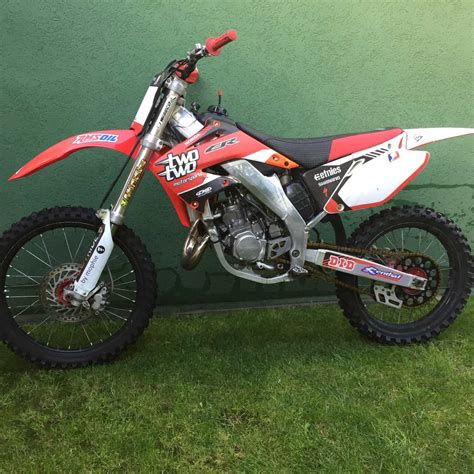 Honda Cr 125 R Pics Specs And List Of Seriess By Year