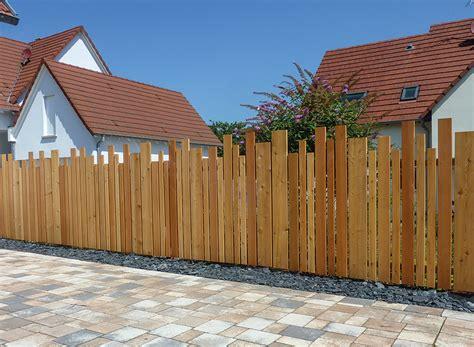 Balkon Kübelpflanzen Winterhart by Fioriere In Wpc Holz Bb Design Produciamo Fioriere Su