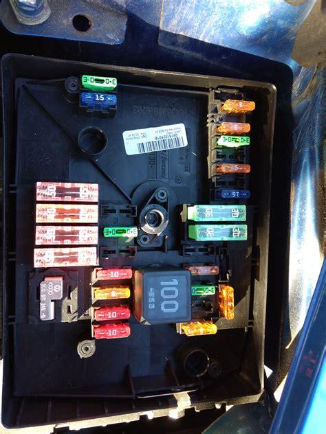 Skoda Fabium Fuse Box Layout by Skoda Fabia Fuse Box Location Layout Wiring Library