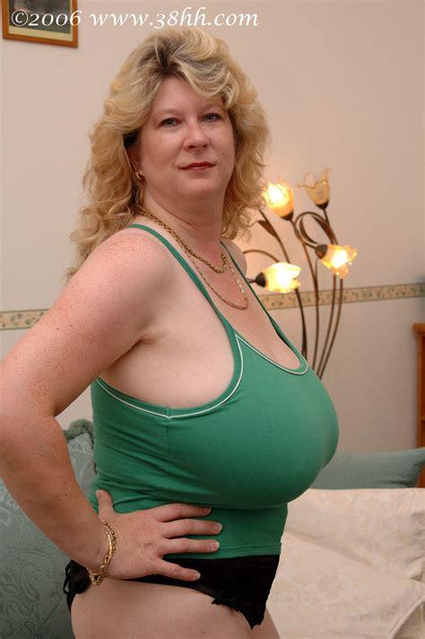 Mature Big Juggs Boom | High Definition Porn Pic ,mature