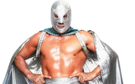 mexican wrestler wins battle  protect masked identity