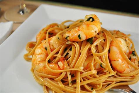 p 226 tes aux fruits de mer 224 l italienne pasta allo scoglio marmite du monde