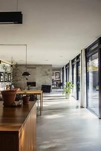les 25 meilleures idees de la categorie sol en beton sur With porte d entrée alu avec beton ciré pour salle de bain