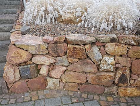 Mörtel Für Natursteinmauer by Natursteinmauer Am Hang 187 Darauf Ist Zu Achten