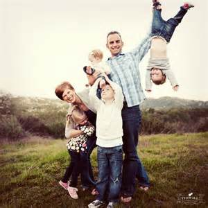 20 and creative family photo ideas hative