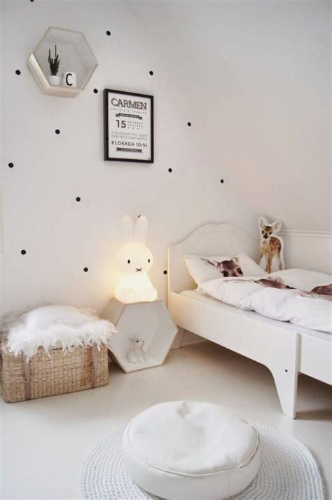 veilleuse chambre quelle veilleuse pour bébé dans votre chambre d 39 enfant
