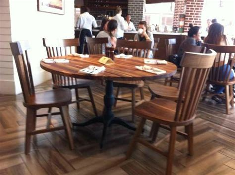 table chairs and other customers picture of la
