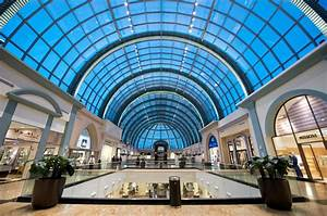 World's Biggest Apple Store to Open in Dubai