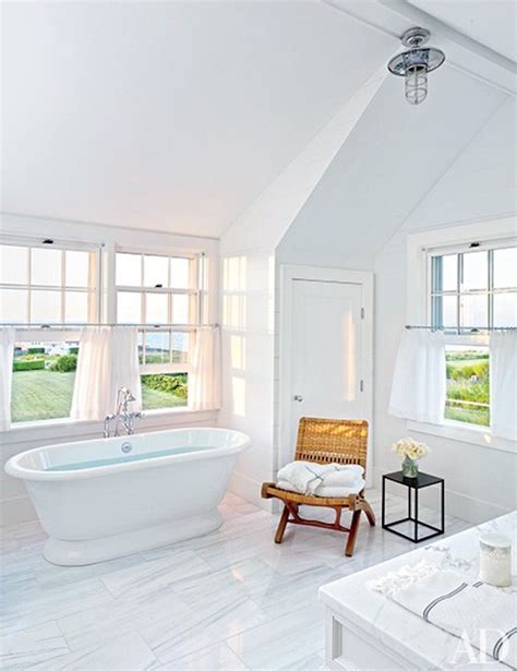 10 Astonishing Ideas To 'spa Up' Your Luxury White Bathroom