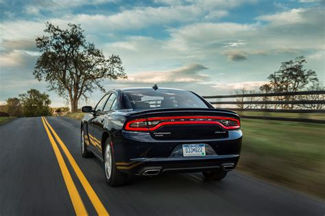 Image Gallery 2017 Charger Rear