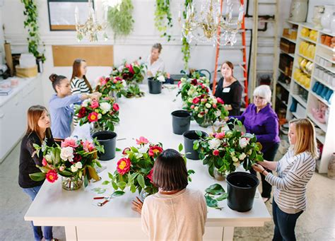 floral design classes isari flower studio san diego flower arranging classes