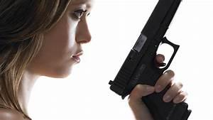 Guns Summer Glau weapons Terminator The Sarah Connor ...