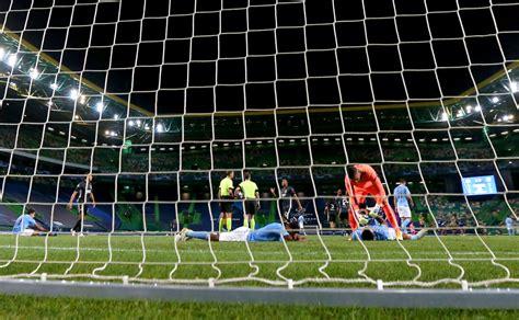 Manchester City v Lyon - UEFA Champions League Quarter ...