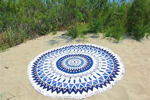 Serviette Ronde Eponge : serviette de plage ronde mandala bleu tendances du monde ~ Teatrodelosmanantiales.com Idées de Décoration