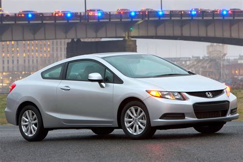 The civic si coupe debuted a few months after the initial launch of the 2006 models, with the civic si sedan following in 2006 (2007 in canada). 2012 Honda Civic VIN# 2HGFG3B15CH533556