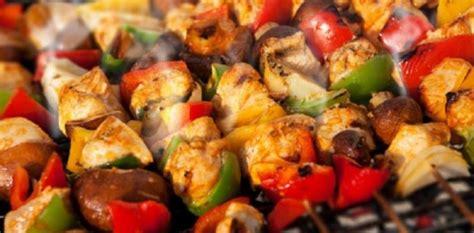 brochettes de legumes au barbecue aux fourneaux