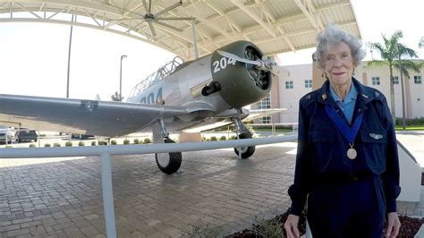 first woman to form australian women s pilot association wasps first women in history to fly for us army air