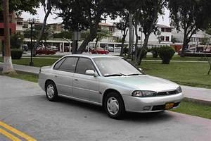 Vendo Subaru Legacy 1996