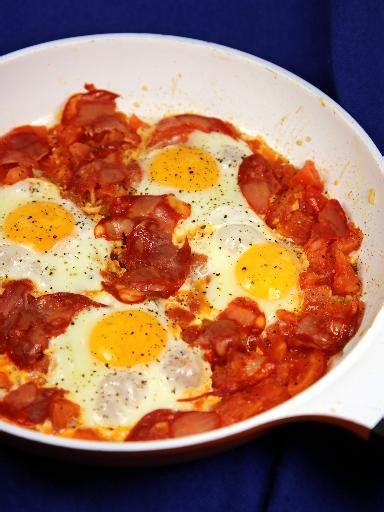recette pate et chorizo oeufs 224 la tomate et chorizo recette d oeufs 224 la tomate et chorizo marmiton