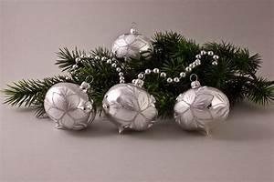 Weihnachtskugeln Aus Lauscha : 4 zwiebeln silber glanz mit christrose christbaumkugeln ~ Orissabook.com Haus und Dekorationen