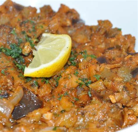 cuisiner des aubergines à la poele zaalouk marocain caviar d aubergine les recettes de la